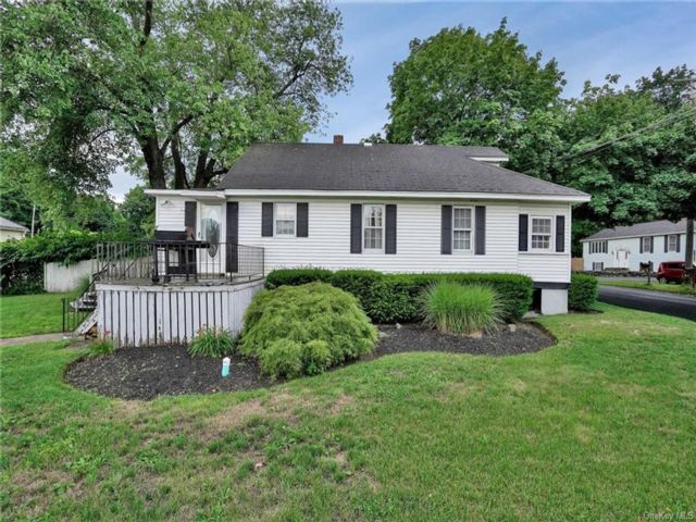 5 BR,  2.00 BTH Cape style home in Newburgh
