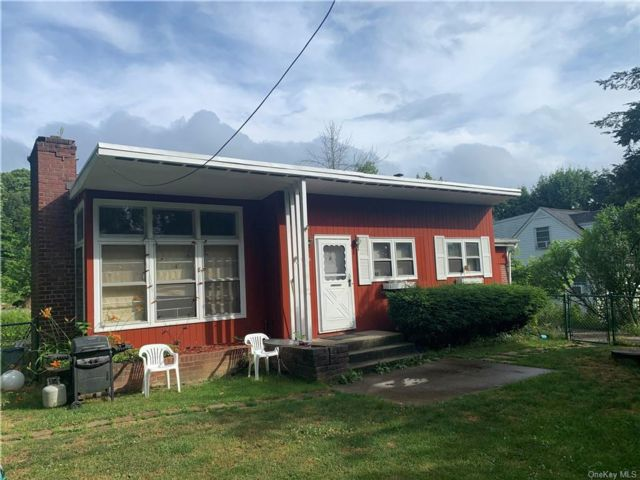 2 BR,  1.00 BTH  Ranch style home in Kent
