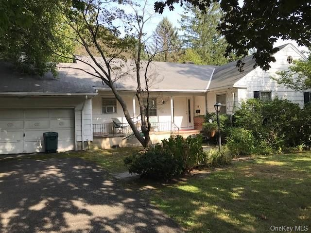 3 BR,  2.00 BTH  Ranch style home in Rye