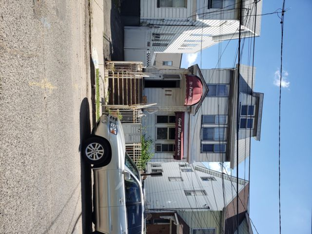 4 BR,  3.00 BTH 2 story style home in Irvington