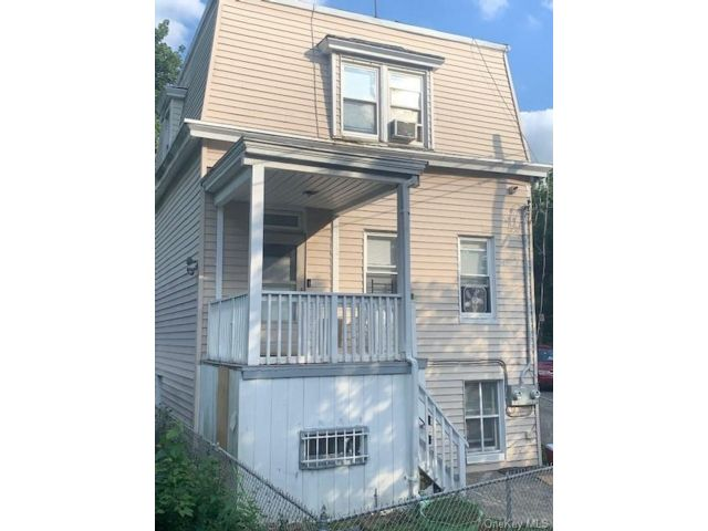 3 BR,  2.00 BTH Colonial style home in Yonkers