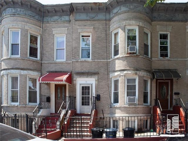 5 BR,  0.00 BTH  Multi-family style home in East Flatbush