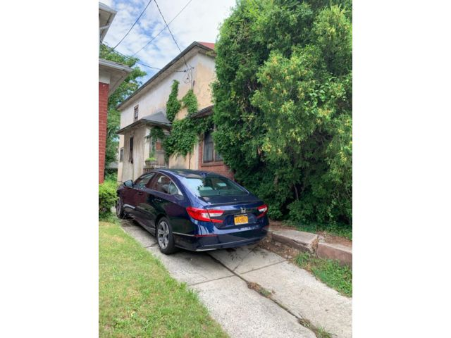 3 BR,  1.00 BTH Single family style home in Midwood