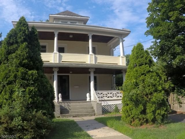 6 BR,  3.00 BTH Multi-family style home in Englewood