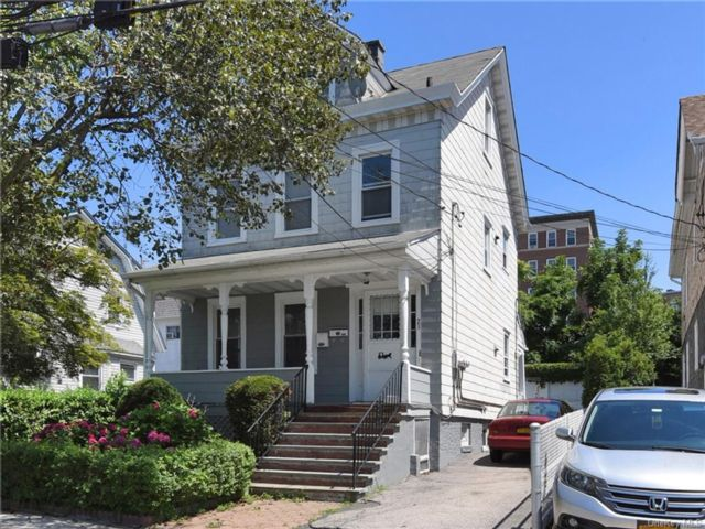 3 BR,  2.00 BTH Colonial style home in New Rochelle