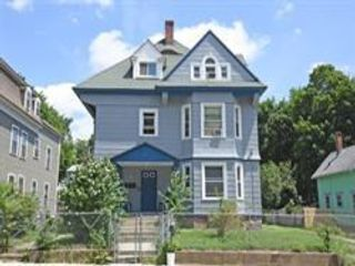 8 BR,  3.00 BTH  style home in Worcester