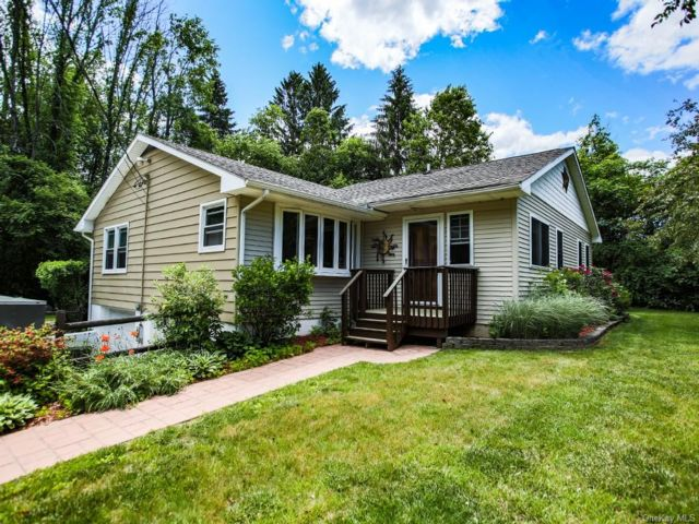 3 BR,  2.00 BTH  Ranch style home in Wawarsing