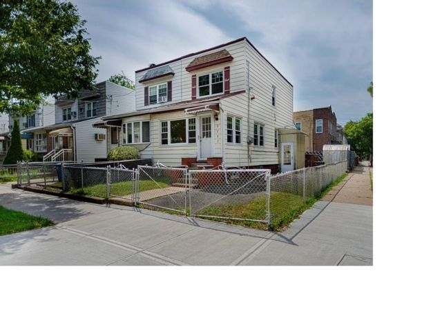 3 BR,  2.50 BTH  Colonial style home in Old Mill Basin
