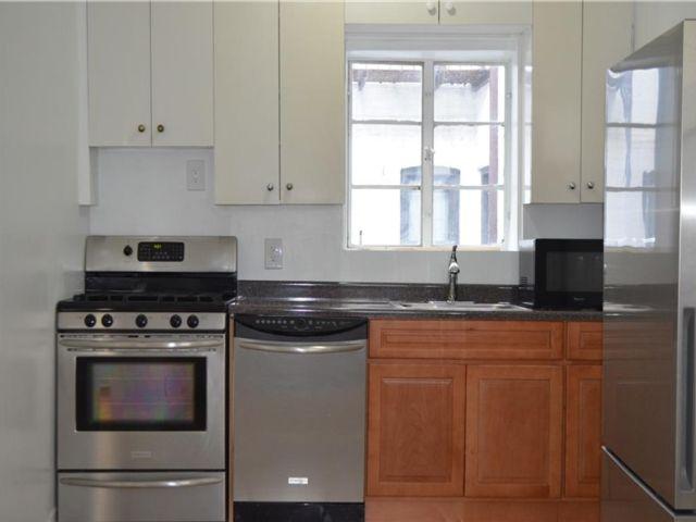 3 BR,  2.00 BTH Multi-family style home in Bay Ridge