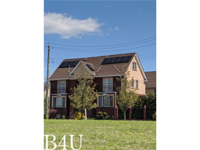 4 BR,  5.00 BTH Single family style home in Mill Basin
