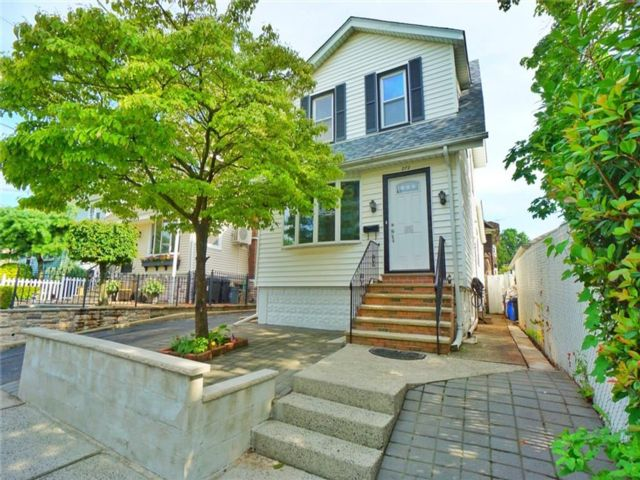 [Westerleigh Real Estate, listing number 6962166]