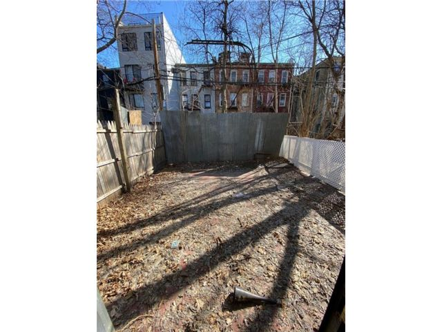Studio,  0.00 BTH  Business only style home in Bushwick