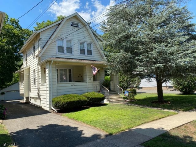 3 BR,  2.00 BTH Colonial style home in Paterson