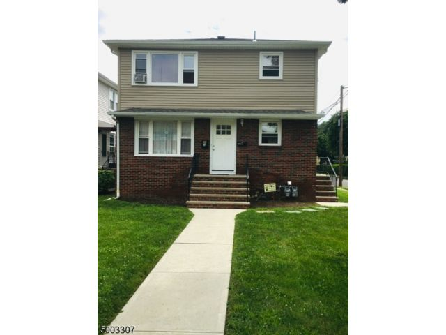 6 BR,  2.00 BTH Multi-family style home in Garfield