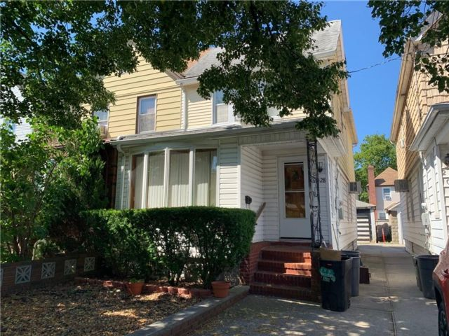3 BR,  1.00 BTH  Single family style home in Bergen Beach