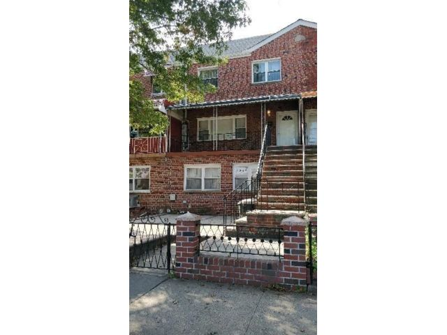 2 BR,  1.00 BTH Multi-family style home in Flatlands