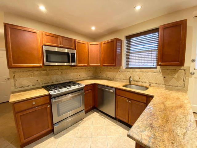 [Rockaway Park Real Estate, listing number 6962627]