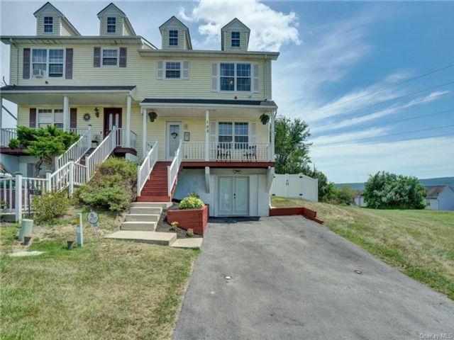 [Warwick Real Estate, listing number 6962902]