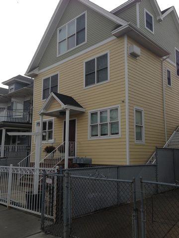 6 BR,  5.50 BTH  style home in Rockaway Park