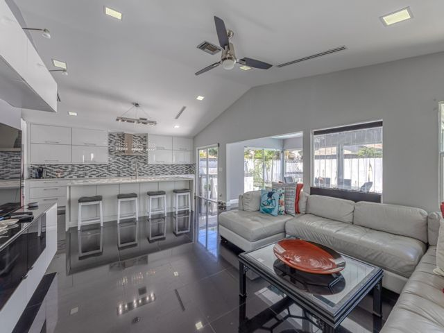 4 BR,  2.50 BTH  Contemporary style home in Coconut Creek