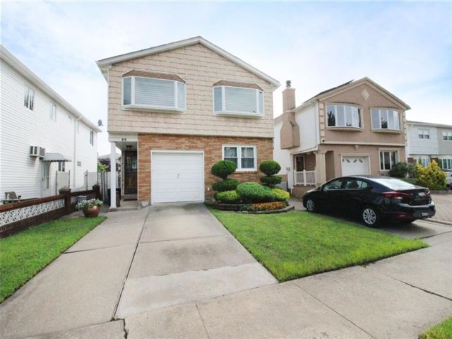 [Westerleigh Real Estate, listing number 6962961]