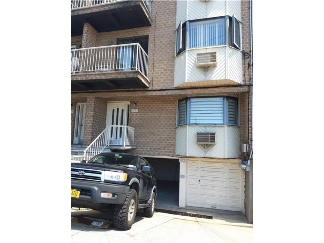 2 BR,  2.00 BTH  Condominium style home in Georgetown