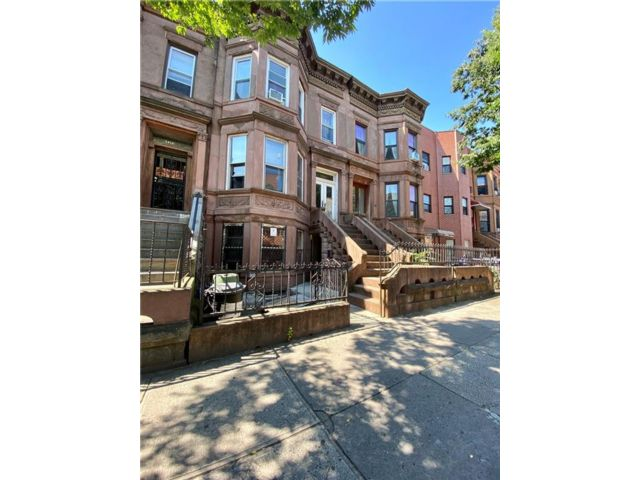 Studio,  3.00 BTH  Multi-family style home in Sunset Park