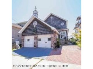 3 BR,  3.00 BTH Shore colonial style home in Avon-by-the-sea