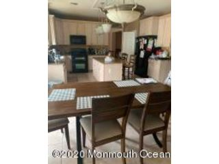 5 BR,  3.50 BTH Colonial style home in Ocean Twp