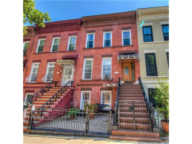 5 BR,  3.00 BTH  Multi-family style home in Crown Heights