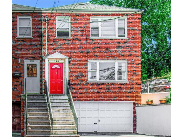 5 BR,  2.00 BTH Other style home in Woodlawn