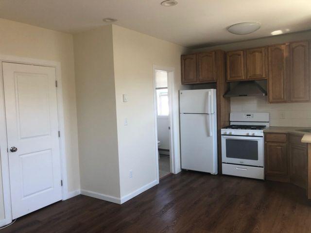 [Rockaway Beach Real Estate, listing number 6963294]