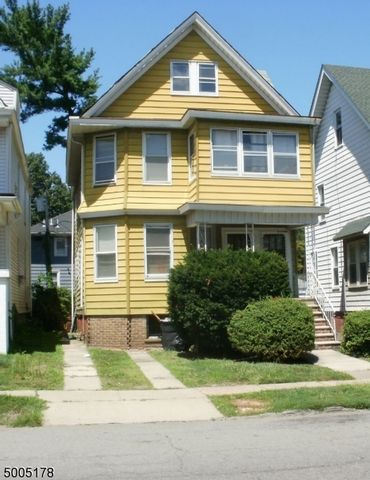 4 BR,  2.00 BTH Multi-family style home in East Orange
