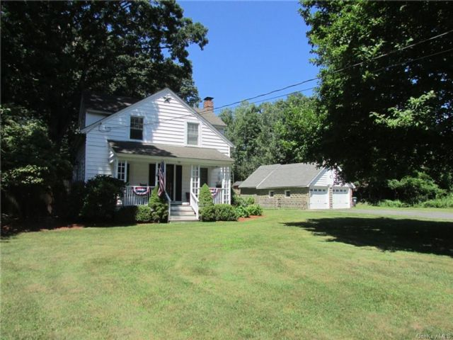 2 BR,  2.00 BTH 2 story style home in Newburgh