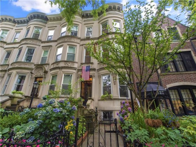 5 BR,  3.00 BTH  Single family style home in Park Slope