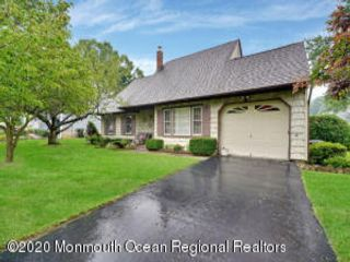 4 BR,  2.00 BTH  Cape style home in Hazlet