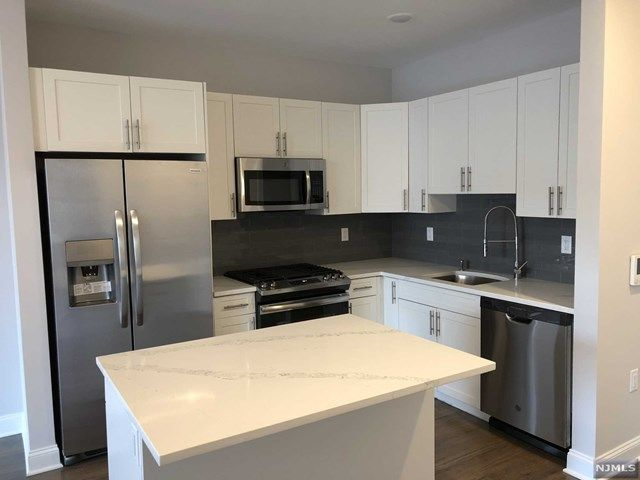 2 BR,  2.00 BTH Apartment style home in Park Ridge