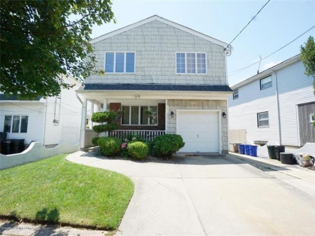Studio,  0.00 BTH  Multi-family style home in Dongan Hills-below Hylan