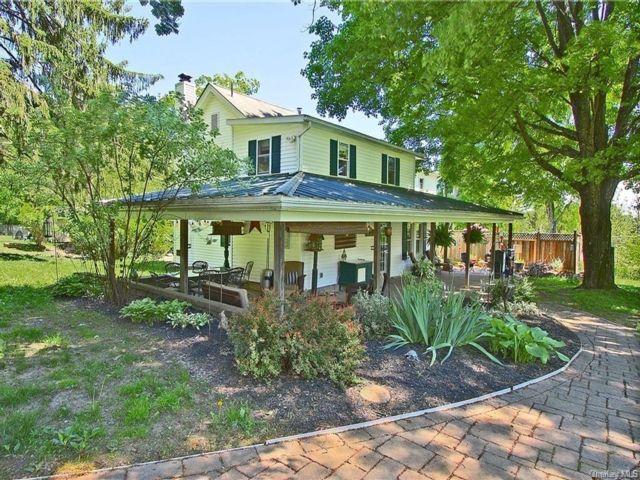 4 BR,  3.00 BTH Farmhouse style home in Gardiner
