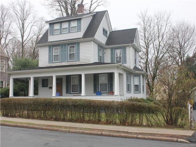 3 BR,  2.00 BTH Other style home in Orangetown