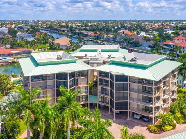 2 BR,  2.50 BTH Condo style home in Marco Island