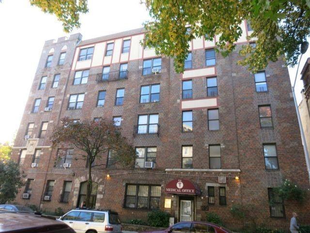 3 BR,  2.00 BTH Condominium style home in Bedford Stuyvesant