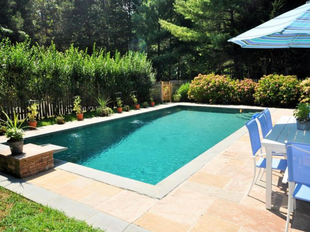 4 BR,  3.00 BTH Contemporary style home in Sag Harbor