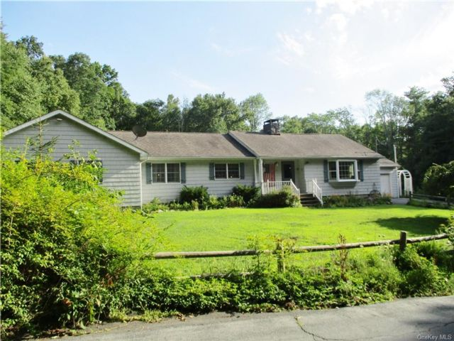 5 BR,  3.00 BTH Ranch style home in Deerpark