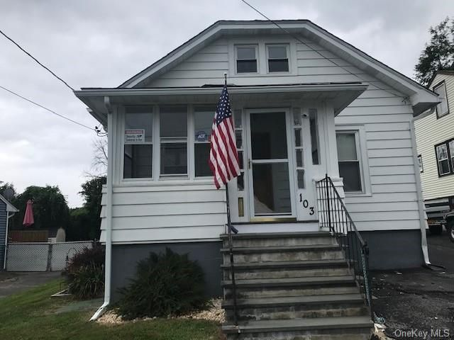 4 BR,  1.00 BTH 2 story style home in Middletown