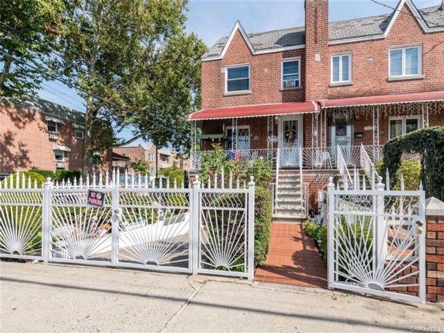 [Esplanade Real Estate, listing number 6964975]