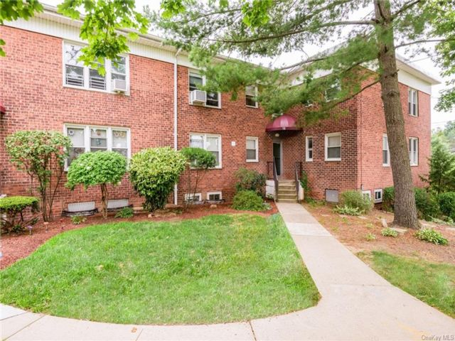 2 BR,  1.00 BTH Garden apartmen style home in Yonkers
