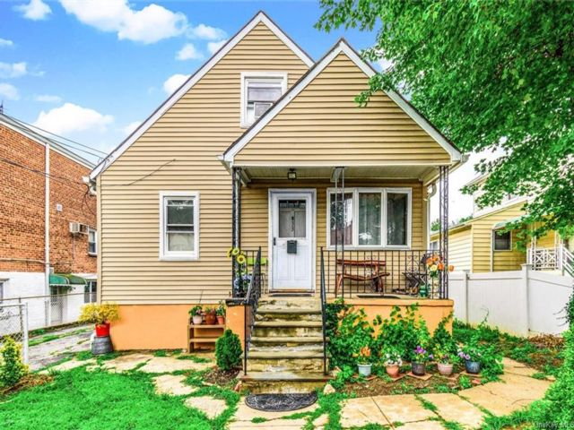 2 BR,  1.00 BTH Cape style home in Yonkers