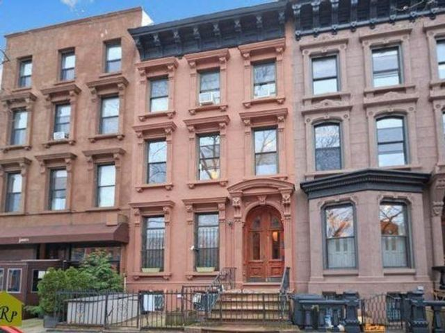 2 BR,  1.50 BTH Rental style home in Prospect Heights