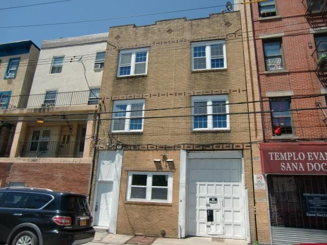 3 BR,  1.00 BTH   style home in Yonkers